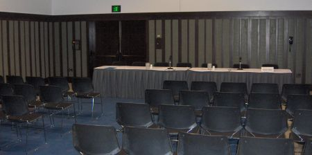 Photo: Empty Small Panel Room