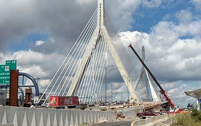 Photo: Boston, Pont Leonard P. Zakim Bunker Hill