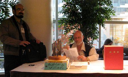 Photo: Bureau de vote pour les Prix Auroras