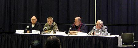 Photo: Table ronde, auteur comme legende